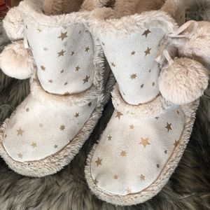 Gently warn slipper boots for sale!